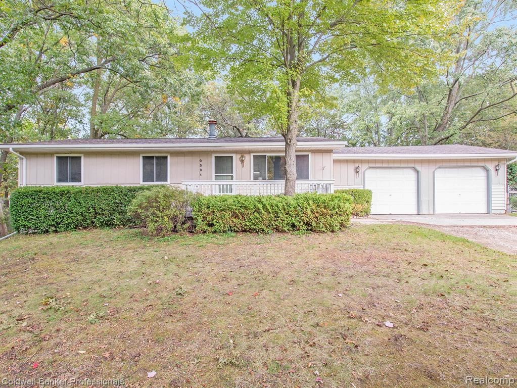 Photo for 9584 SYRACUSE Avenue, Independence Township, MI 48348 (MLS # 219105394)