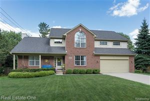 Photo of 951 Driftwood Avenue, Rochester Hills, MI 48307 (MLS # 219085407)