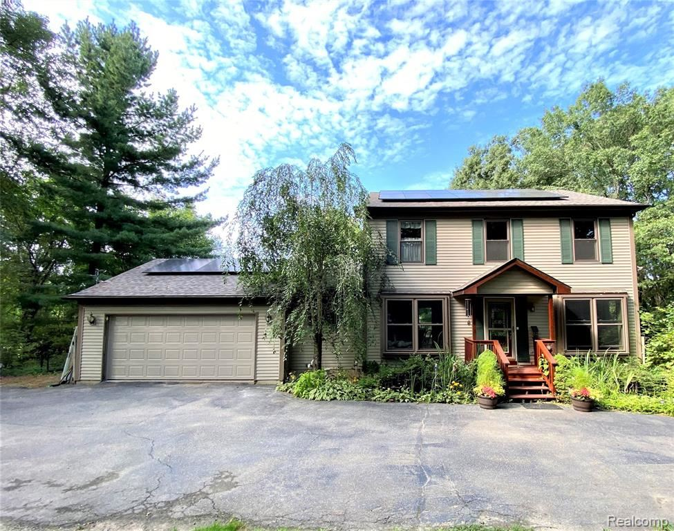Photo for 8164 Rattalee Lake Road, Springfield Township, MI 48348 (MLS # 2210071407)