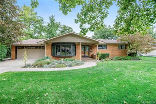 Photo of 494 Hauxwell Drive, Lake Orion Village, MI 48362 (MLS # 2200076416)