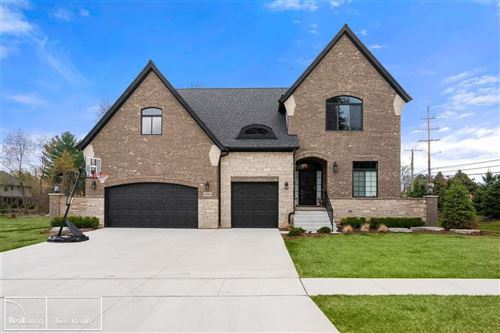 Photo of 48965 PINEBROOK DR, SHELBY Township, MI 48315 (MLS # 58050029418)
