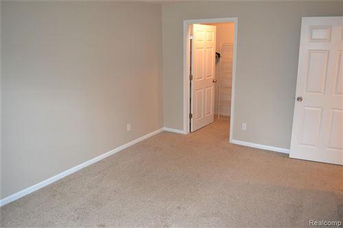 Tiny photo for 5352 BROOKEMONTE Circle, Oakland Township, MI 48306 (MLS # 2200056423)