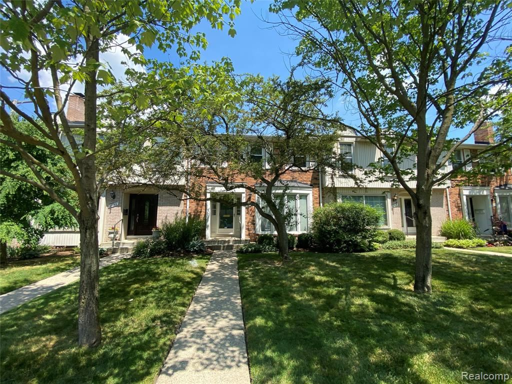 Photo for 18118 BUCKINGHAM Avenue, Beverly Hills Village, MI 48025 (MLS # 2200049431)