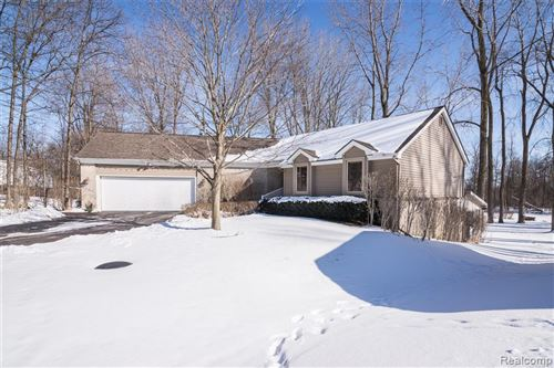 Photo of 5386 Bronco Drive, Independence Township, MI 48346 (MLS # 2210012432)