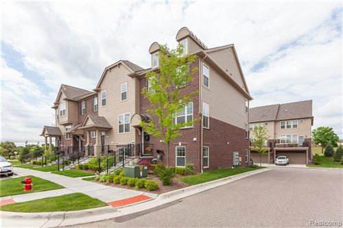 Photo of 2617 Helmsdale Circle #62, Rochester Hills, MI 48307 (MLS # 2200018435)