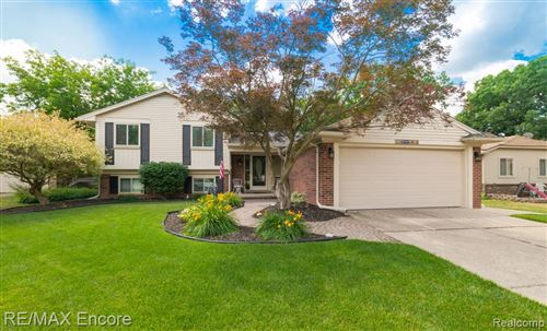 Photo of 5154 WOODCREEK Trail, Independence Township, MI 48346 (MLS # 2200050444)