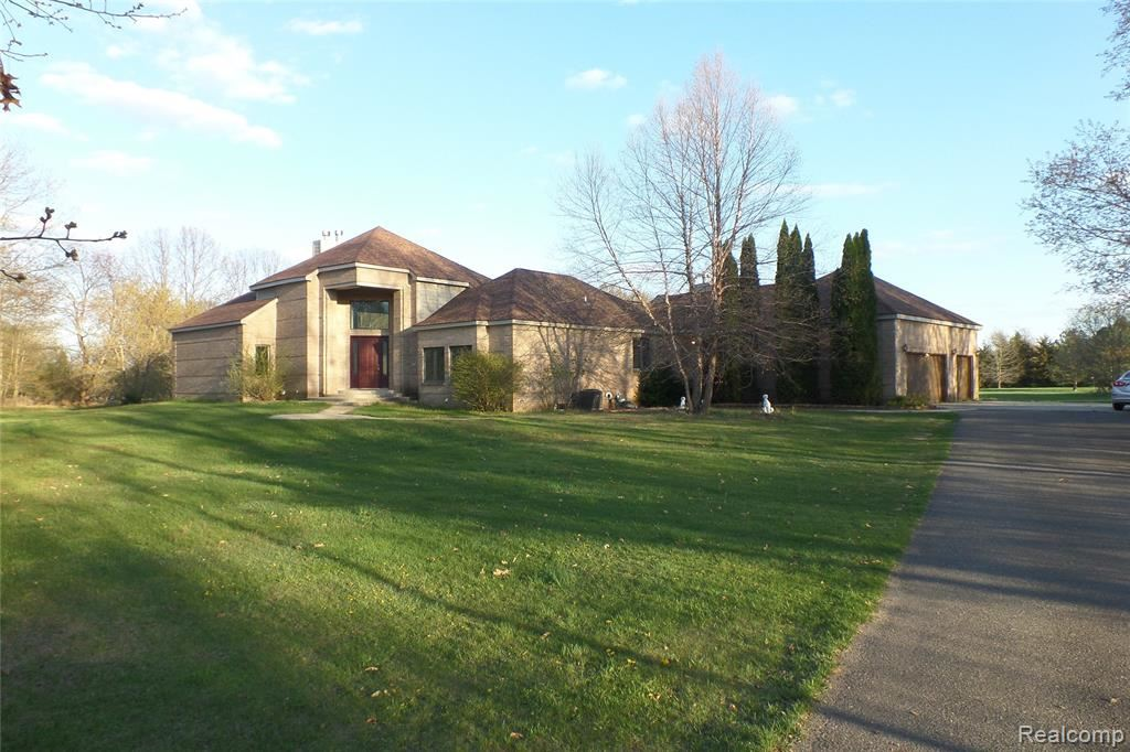 Photo for 4501 CLARKSTON Road, Independence Township, MI 48348 (MLS # 2200100445)