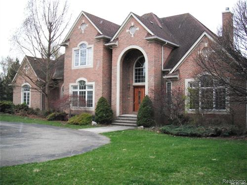 Photo of 1773 MAPLEWOOD Avenue, Bloomfield Township, MI 48302 (MLS # 2210014447)