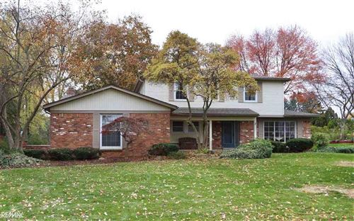 Photo of 3168 BLOOMCREST DR, SHELBY Township, MI 48316 (MLS # 58050027452)