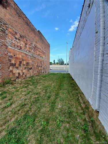 Tiny photo for 12347 E GRATIOT AVE Avenue, Detroit, MI 48205 (MLS # 2200053462)