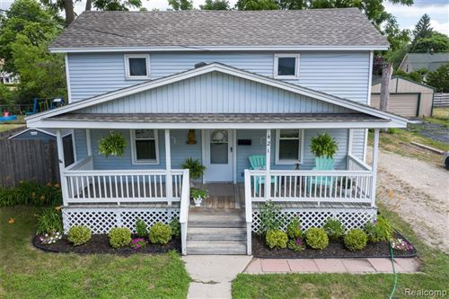 Photo for 421 E FLINT Street, Lake Orion Village, MI 48362 (MLS # 2200098464)