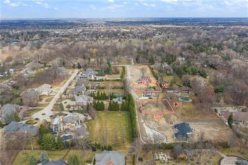 Photo for 37598 Paula Ct, Clinton Township, MI 48036 (MLS # 2200007469)