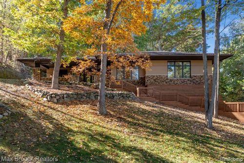 Photo of 6747 College Park, Springfield Township, MI 48346 (MLS # 2210082497)