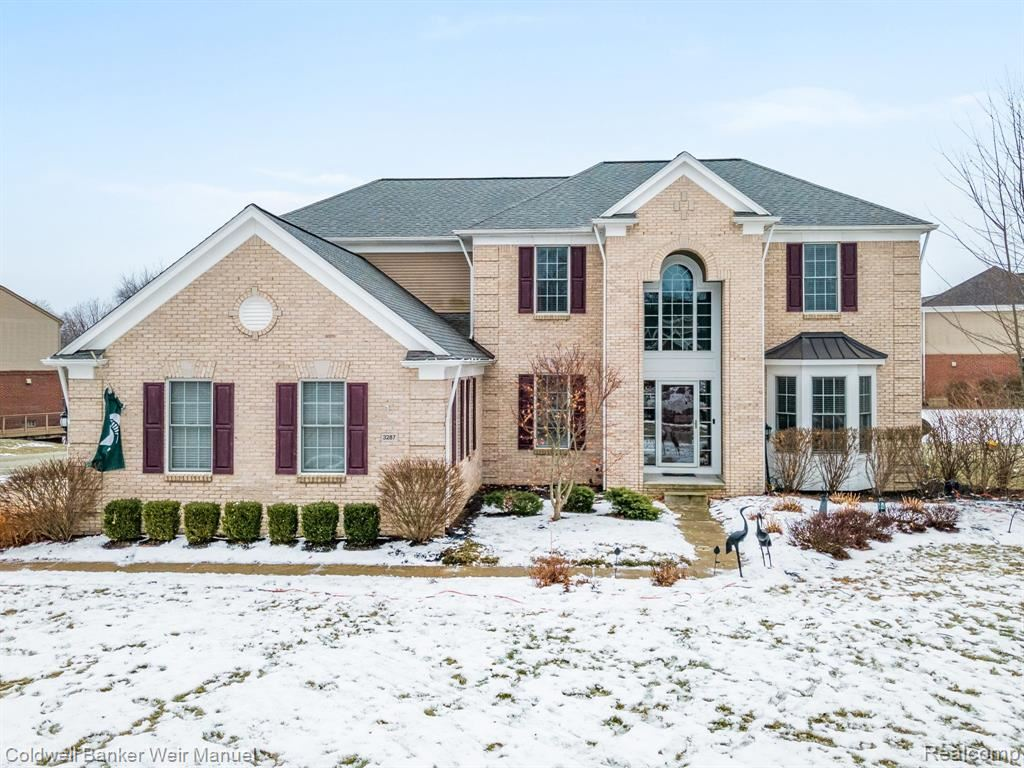 Photo of 3287 WOODVIEW Circle, Orion Township, MI 48362 (MLS # 2210003497)