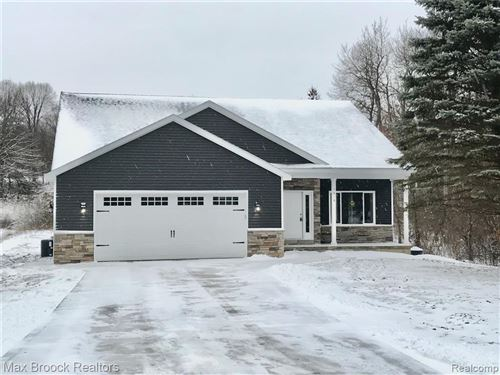 Photo of 5818 FLEMINGS LAKE Road, Independence Township, MI 48348 (MLS # 2200086498)