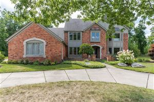 Photo for 531 PARKVIEW Court, Oakland Township, MI 48306 (MLS # 219086509)