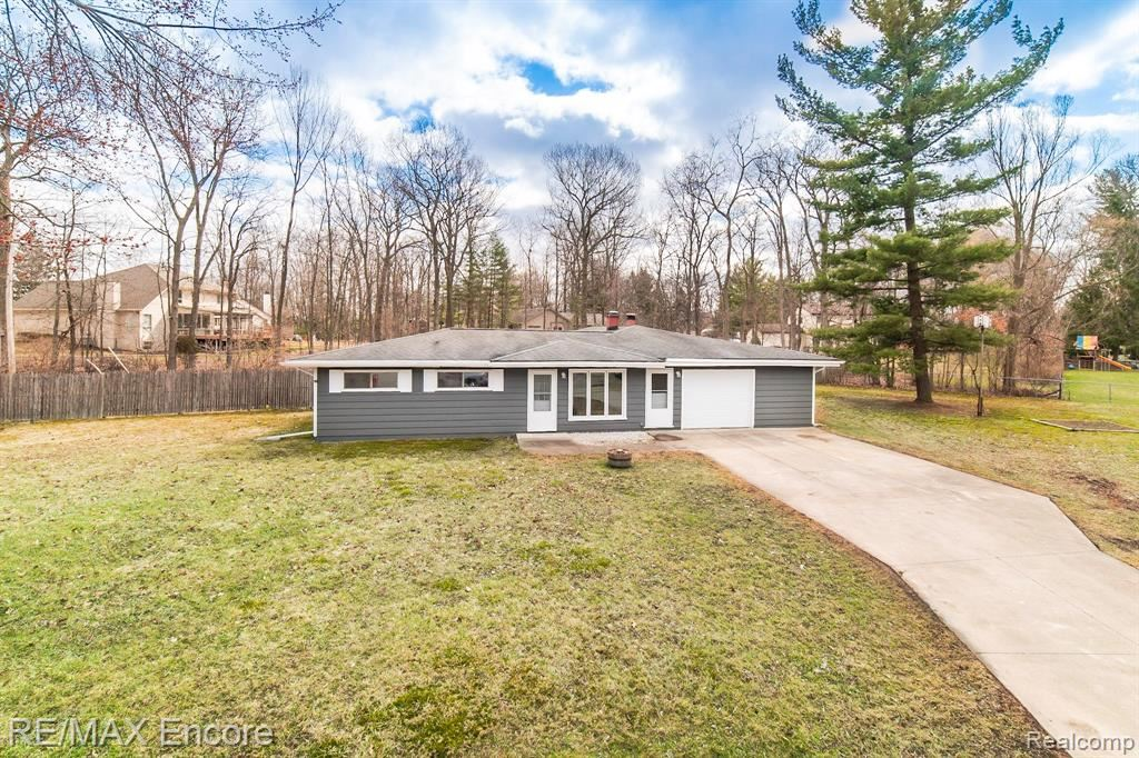 Photo for 6060 EASTLAWN Avenue, Independence Township, MI 48346 (MLS # 2200022509)