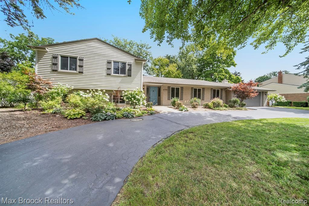 Photo for 6794 WELLESLEY Terrace, Independence Township, MI 48346 (MLS # 219089528)