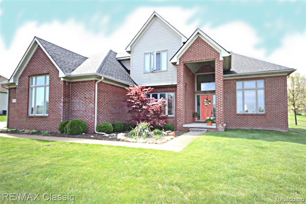 Photo for 4882 MENOMINEE Lane, Independence Township, MI 48348 (MLS # 219092530)