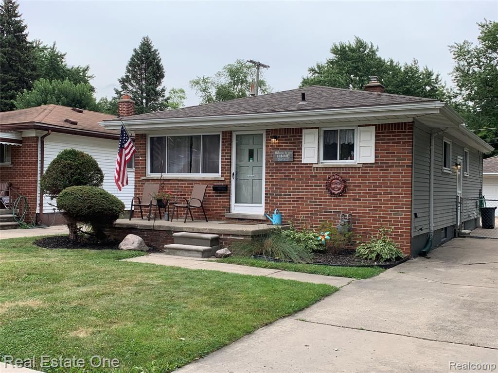 Photo for 5009 CAMPBELL Street, Dearborn Heights, MI 48125 (MLS # 219104532)