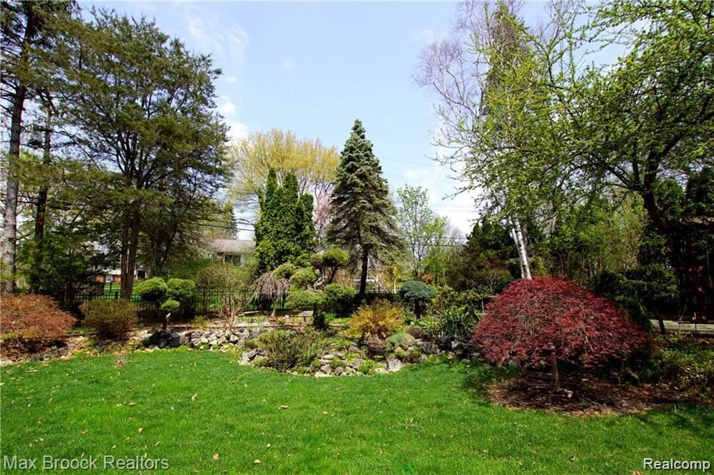 Photo of 3837 TOP VIEW Court, Bloomfield Township, MI 48304 (MLS # 2210002539)