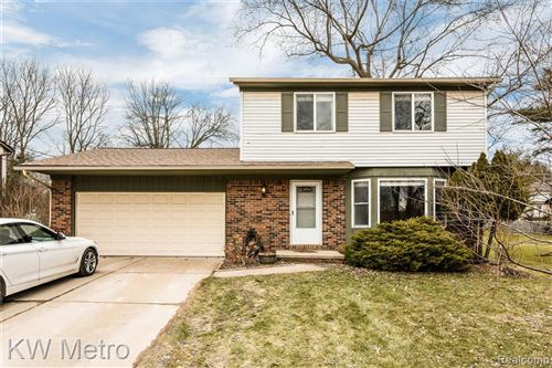 Photo of 550 MAY Road, Rochester Hills, MI 48307 (MLS # 2200024543)