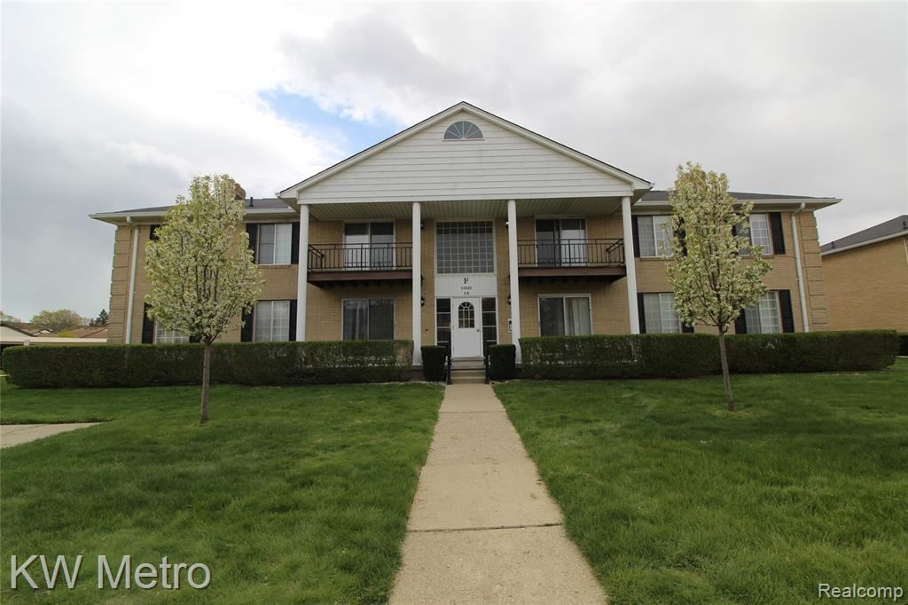 11820 SEATON DR #F4, Sterling Heights, MI 48312 - #: 2200031544