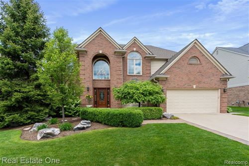 Photo of 1225 Welland Drive, Rochester, MI 48306 (MLS # 2200028546)