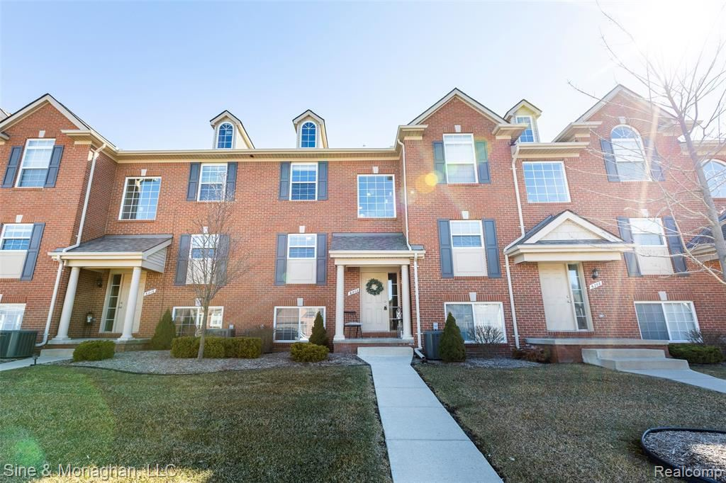 Photo for 6212 CHESHIRE PARK Drive #27, Independence Township, MI 48346 (MLS # 2200021553)