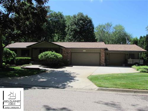 Photo of 9233 TUSCARORA DR, INDEPENDENCE Township, MI 48348 (MLS # 5050018554)