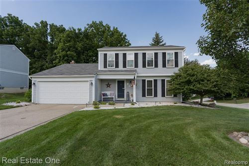 Photo of 523 Whitney Drive, Rochester Hills, MI 48307 (MLS # 2200059555)