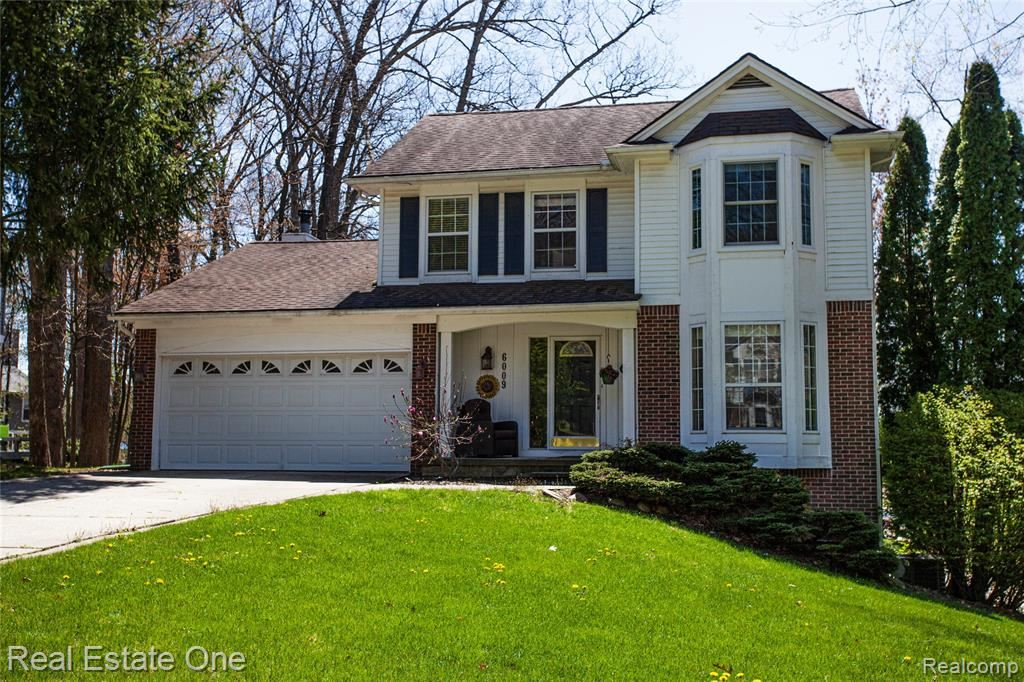 Photo for 6009 CEDAR BEND Drive N, Independence Township, MI 48346 (MLS # 2200023556)