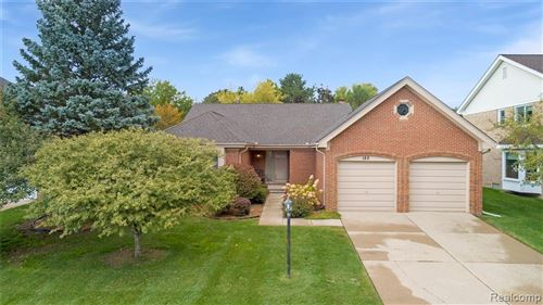 Photo of 182 SANDALWOOD Drive, Rochester Hills, MI 48307 (MLS # 2200081557)