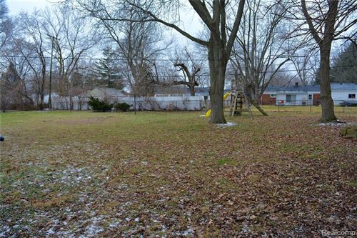 Tiny photo for 3166 FERNBARRY Court, Waterford Township, MI 48328 (MLS # 2200003563)