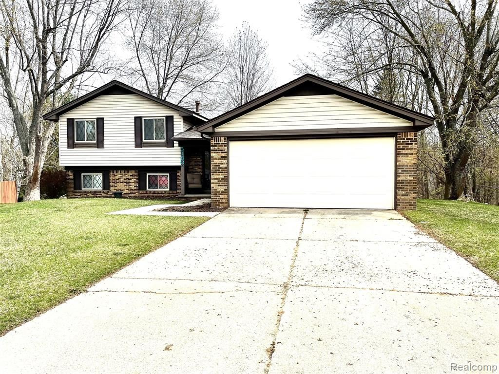 Photo for 5180 WOODCREEK Trail, Independence Township, MI 48346 (MLS # 2210024563)
