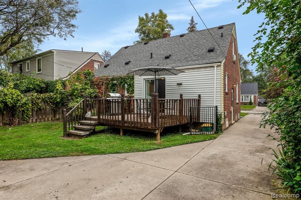 Photo of 3023 N WILSON Avenue, Royal Oak, MI 48073 (MLS # 2210086565)