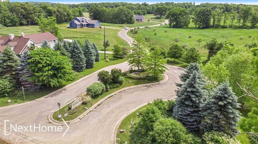 Photo of 12695 MEADOW VIEW CIRCLE, LOT 45, HOLLY Township, MI 48442 (MLS # 5050039582)