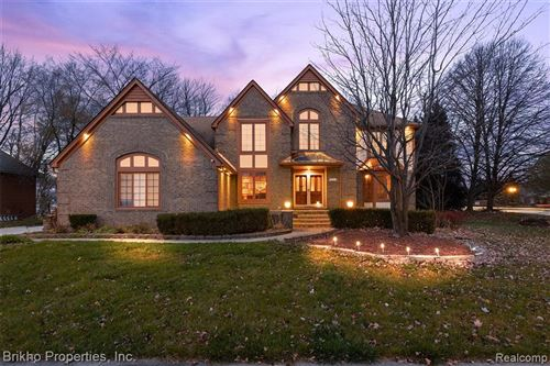 Photo of 15187 Covington Drive, Shelby Township, MI 48315 (MLS # 2200092583)