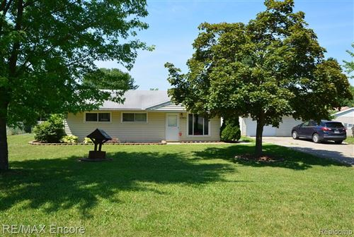 Photo of 7859 DUBUQUE Road, Independence Township, MI 48348 (MLS # 2200046585)