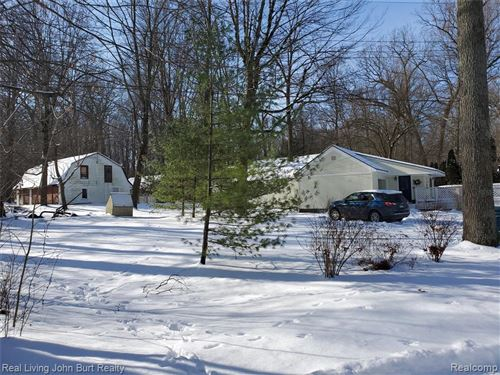 Photo of 5223 WOODLANE Road, Independence Township, MI 48348 (MLS # 2200005588)