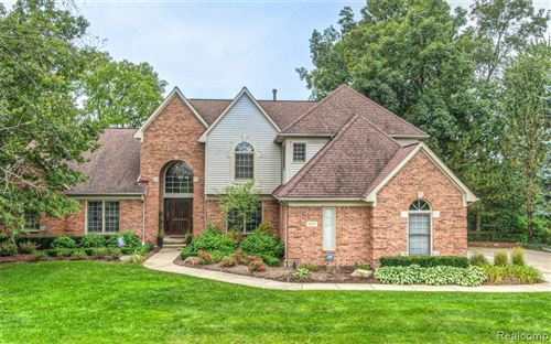 Photo for 1027 Indianpipe Road, Orion Township, MI 48360 (MLS # 2200074606)