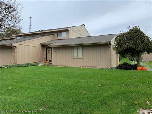 Photo of 7838 MEADOW Drive, Waterford Township, MI 48329 (MLS # 2210085607)