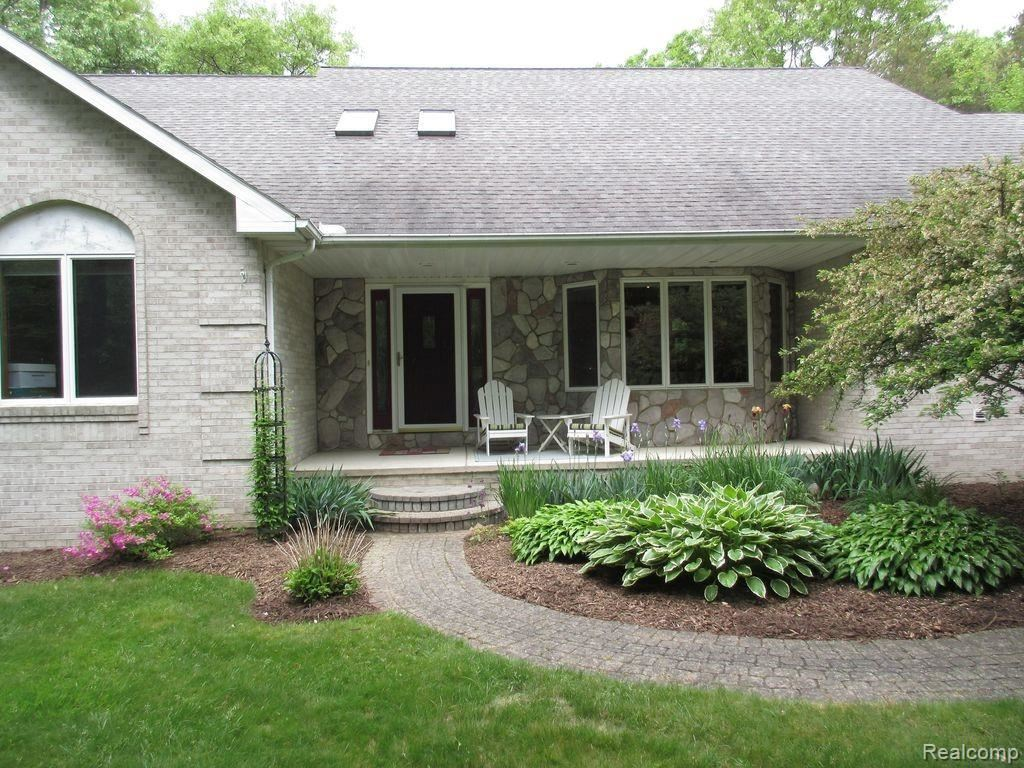 Photo for 4765 Cecelia Ann Avenue, Independence Township, MI 48346 (MLS # 2200026627)