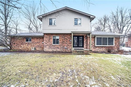 Photo of 4719 PARVIEW Drive, Independence Township, MI 48346 (MLS # 2210003629)