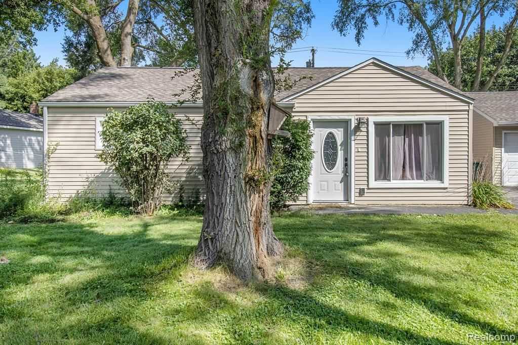 Photo for 7080 Felix Drive, Independence Township, MI 48346 (MLS # 2210075632)