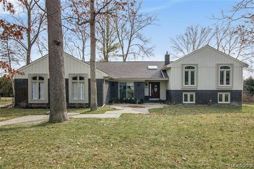 Photo for 5057 MIDMOOR Road, Bloomfield Township, MI 48302 (MLS # 2200020648)