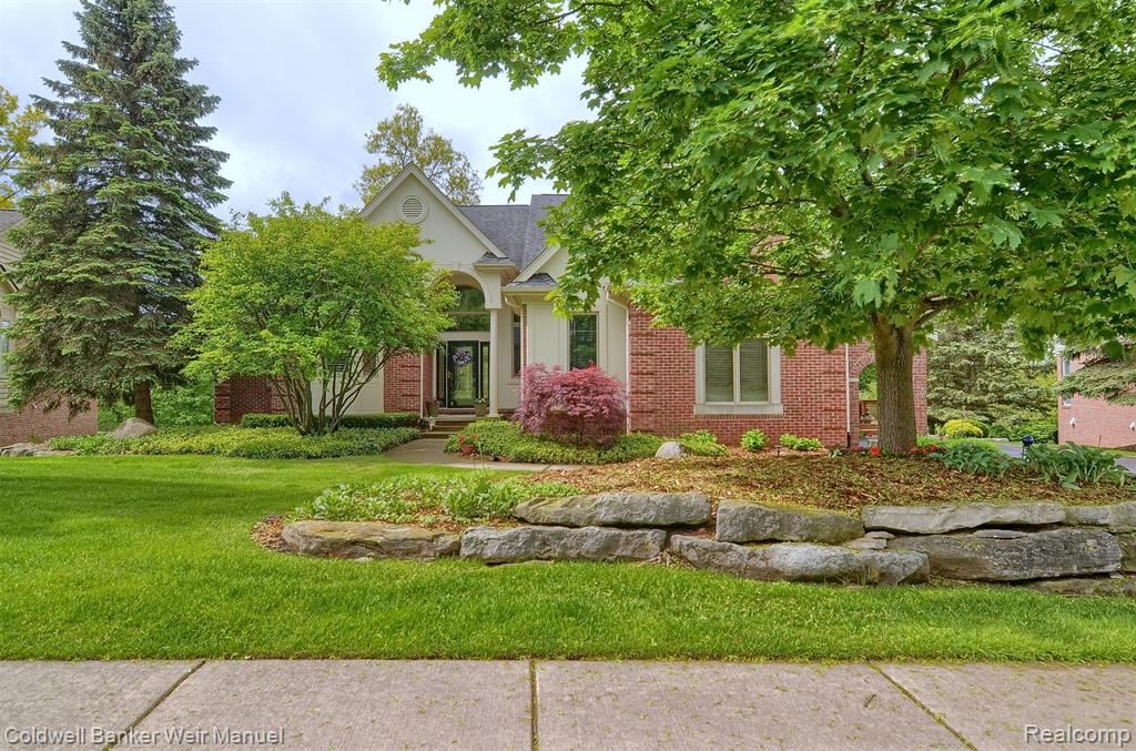 Photo for 5652 GOLF POINTE Drive, Independence Township, MI 48348 (MLS # 219053652)