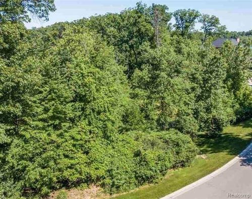 Photo of LOT 2701 TURTLE RIDGE Drive, Bloomfield Township, MI 48302 (MLS # 2200075653)