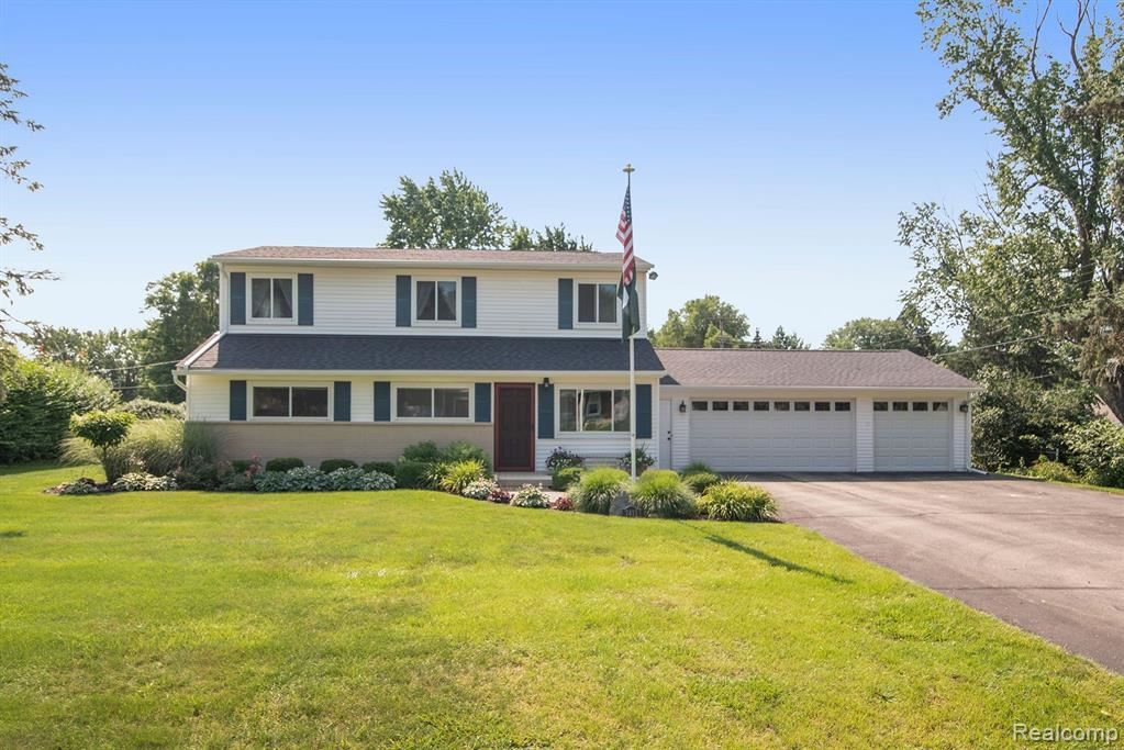 Photo for 7411 Cortez, Independence Township, MI 48348 (MLS # 2210057656)