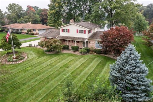 Photo of 4844 WOODMIRE Drive, Shelby Township, MI 48316 (MLS # 2210076657)